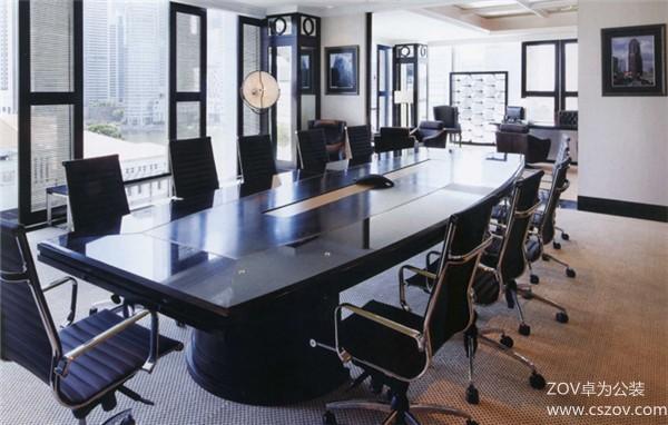 色彩简单的高档办公室装修