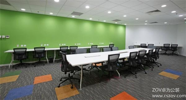 绚丽多彩的办公室装修效果图
