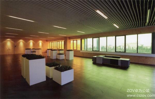 家具公司的现代办公楼装修